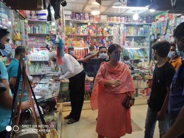 চন্দনাইশে স্বাস্থ্যবিধি না মানায় সাত ক্রেতা-প্রতিষ্ঠানকে জরিমানা