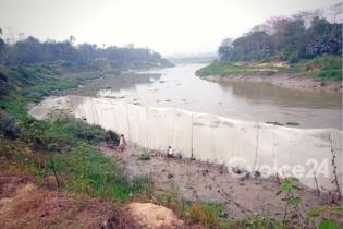 প্রজনন মৌসুমেও হালদা নদীতে সক্রিয় মা মাছ শিকারীরা