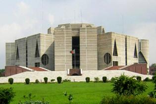 'ভোট দেয় প্রশাসন, দেখে জনগণ'—চট্টগ্রামের উত্তাপ সংসদে