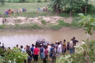 মাটিরাঙ্গায় বিজিবির গাড়ি নদীতে, দুই সদস্য আহত