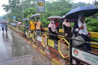 শ্রমিক আসতে রোববার দুপুর ১২টা পর্যন্ত বাস-লঞ্চ চলবে