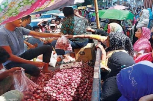 পর্যাপ্ত পেঁয়াজ মজুত টিসিবিতে, বিক্রির সময় বাড়ল আরও দু'দিন