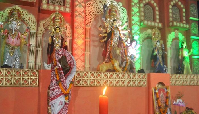 দুর্গাপূজার অন্তিম দিন আজ মহানবমী