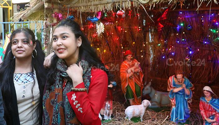 উৎসবে-আনন্দে চট্টগ্রামে বড়দিন উদযাপন